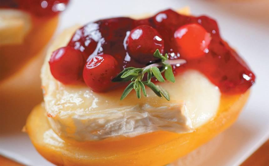 Uzkodas ar brī sieru un kartupeli recepte