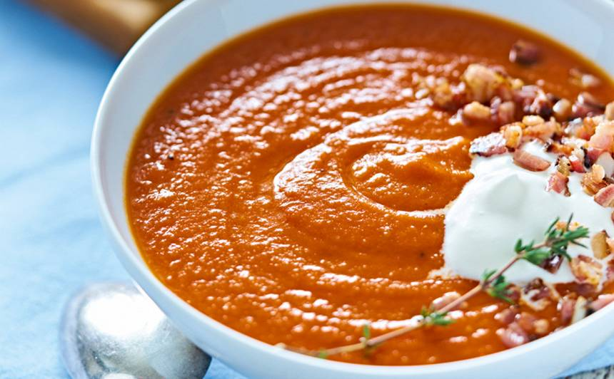 Sarkanā tomātu biezzupa recepte