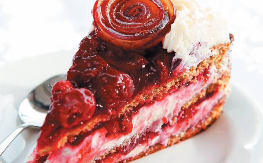 Rupjmaizes un ķiršu torte recepte