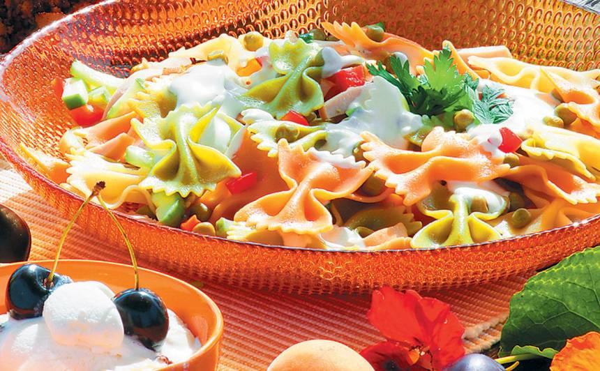 Salāti ar makaroniem Farfarelle recepte