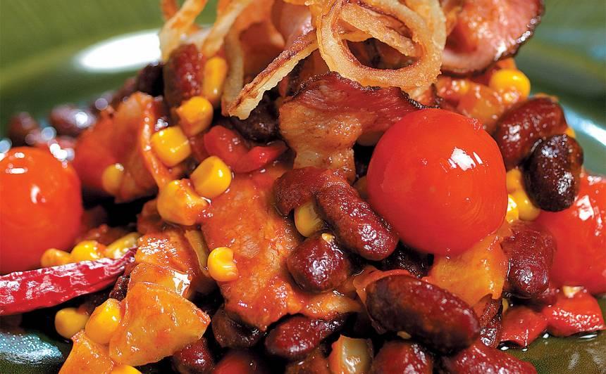 Pupiņas ar papriku, kukurūzu un žāvētu gaļu recepte