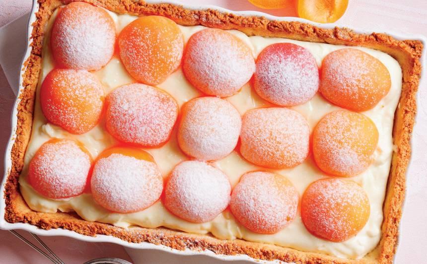 Baltās šokolādes kūka ar aprikozēm un Mascarpone