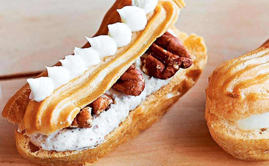 Eklērs ar pekanriekstiem, krēmu un vaniļas mērci recepte
