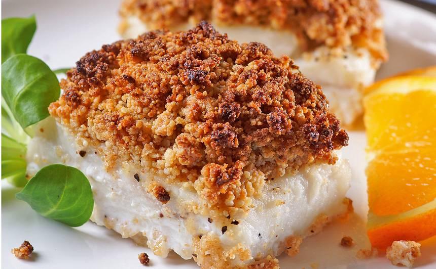 Balta zivs ar apelsīnu un mandeļu miltiem recepte