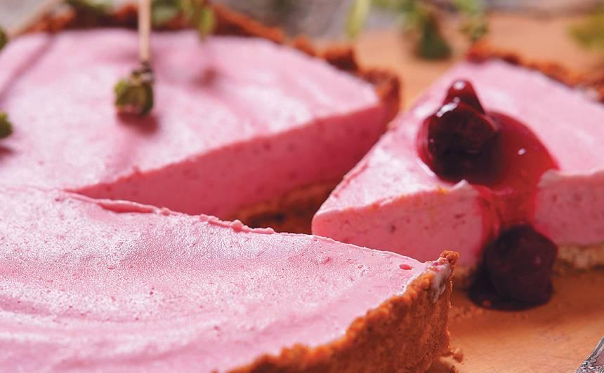 Ķiršu saldējuma pīrāgs recepte