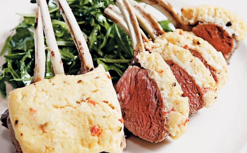 Grilēta jēra muguriņa ar rukolas salātiem recepte