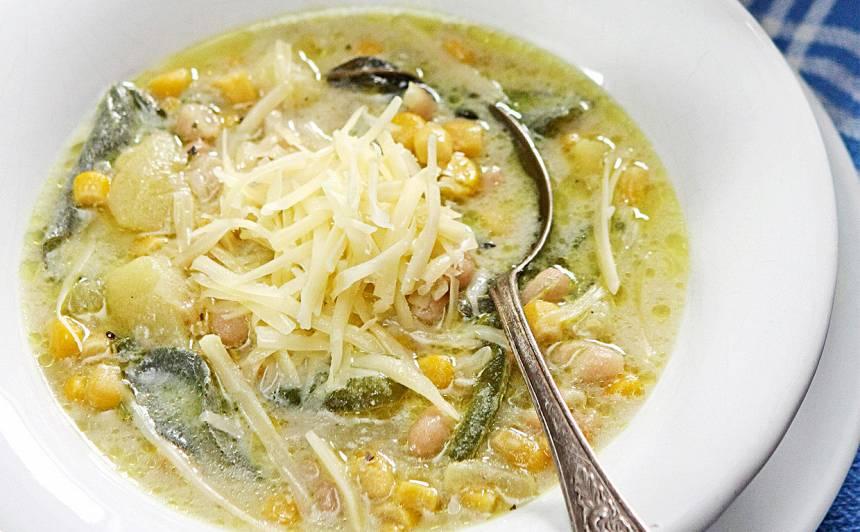 Kartupeļu un kukurūzas zupa ar salviju recepte