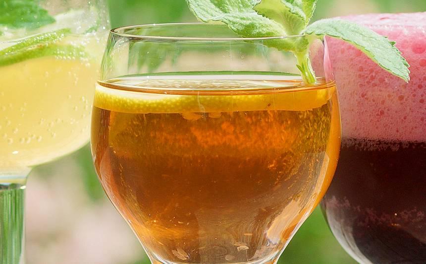 Tējas kokteilis ar rumu