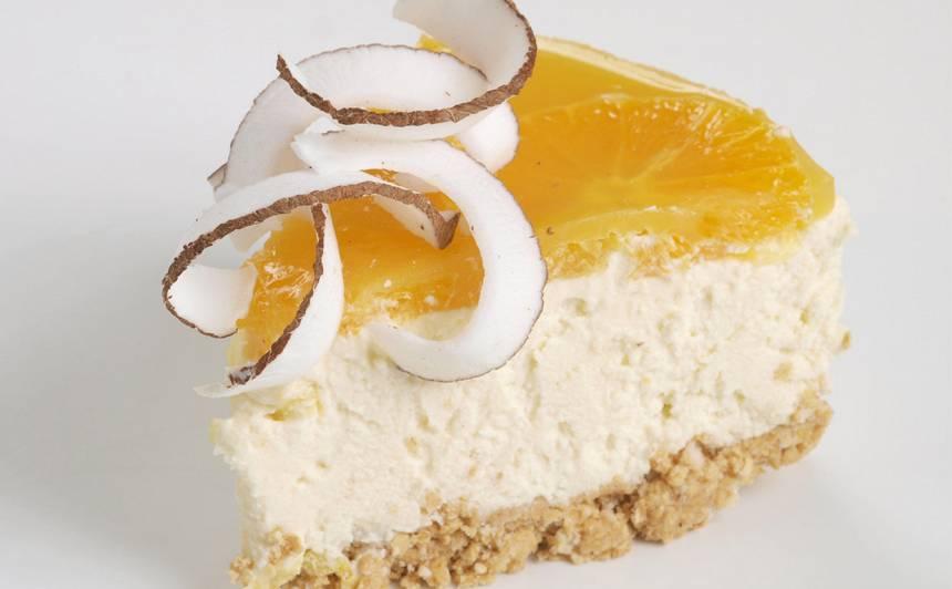 Baltās šokolādes sierakūka ar apelsīnu