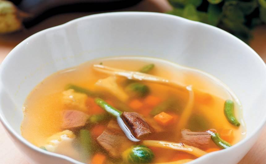 Jēra gaļas un dārzeņu zupa recepte