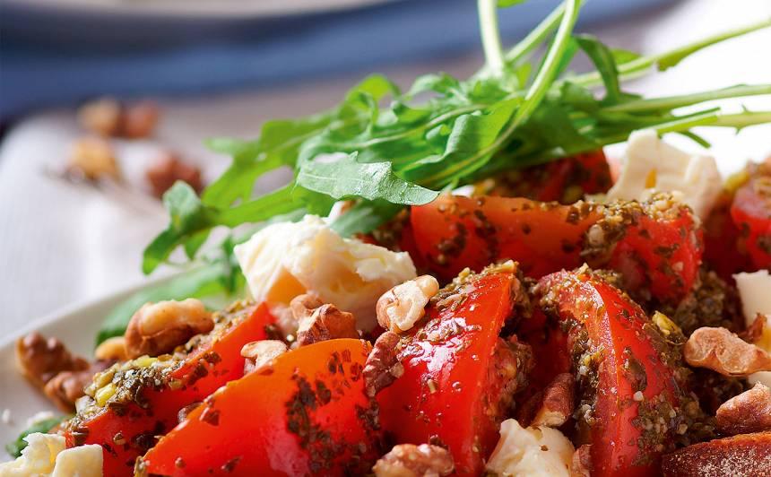 Tomātu salāti ar ķiploku grauzdiņiem recepte