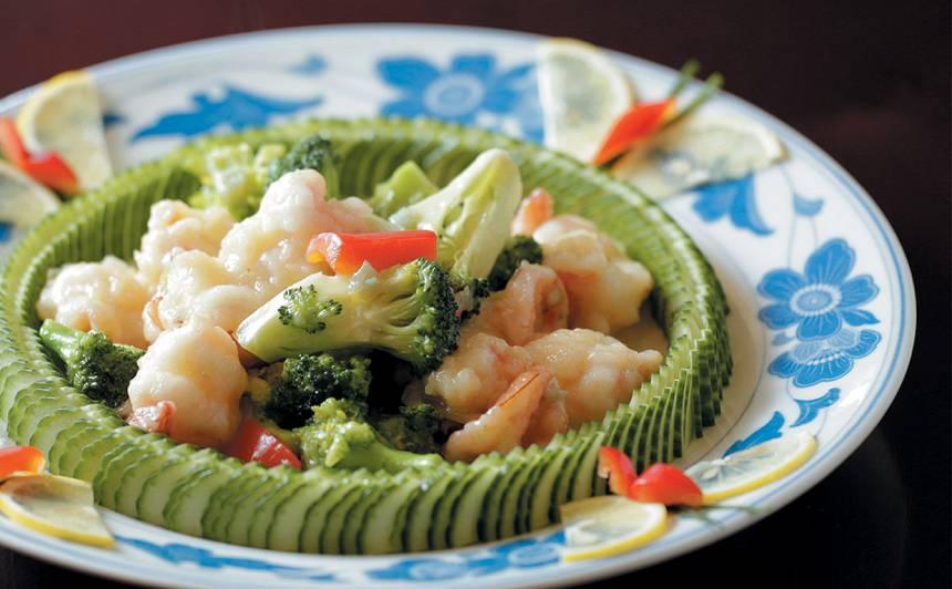 Sautēti brokoļi ar garnelēm recepte