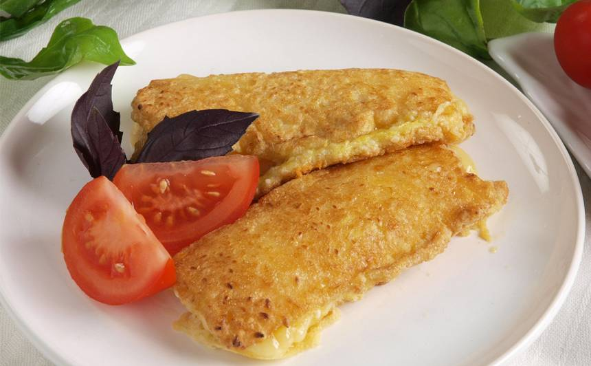 Cepts siers ar sezamu recepte