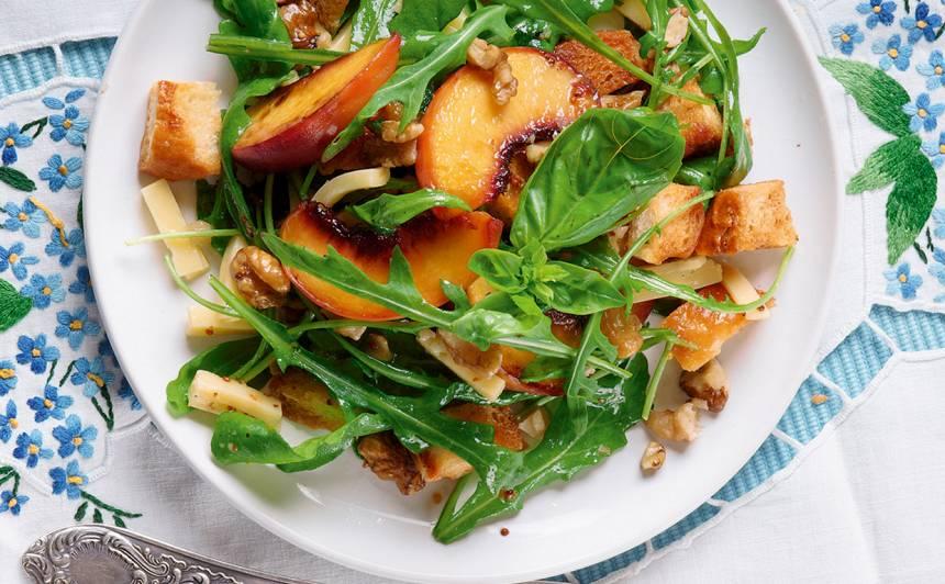 Salāti ar persikiem recepte