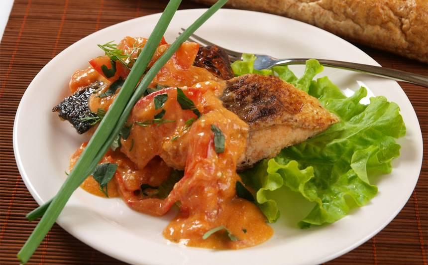 Cepta zivs tomātos recepte