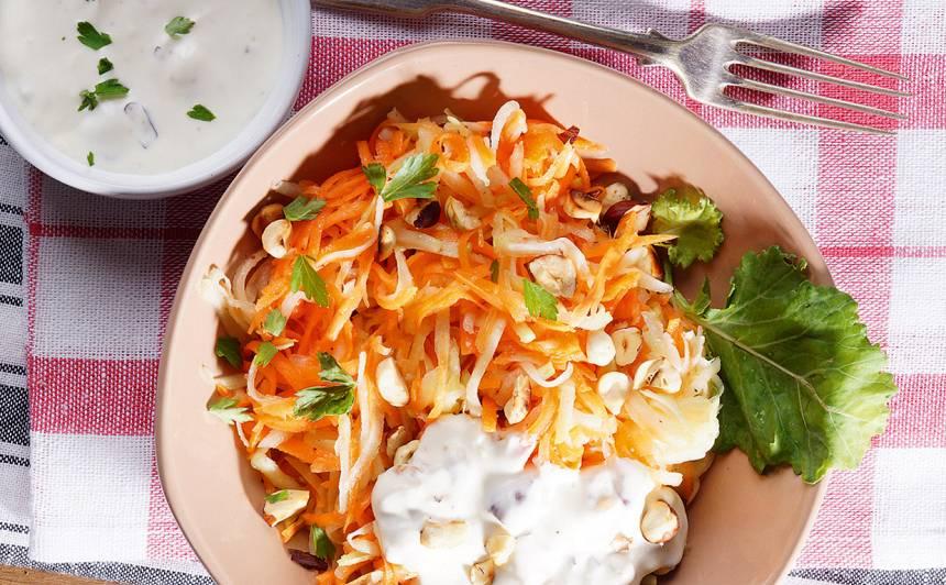 Kolrābju un burkānu salāti recepte