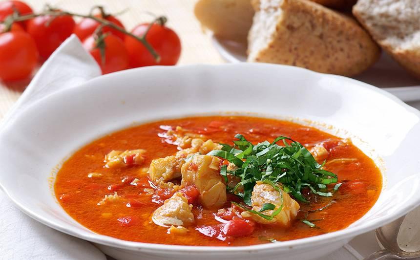 Zivju zupa vidusjūras zemju noskaņās recepte
