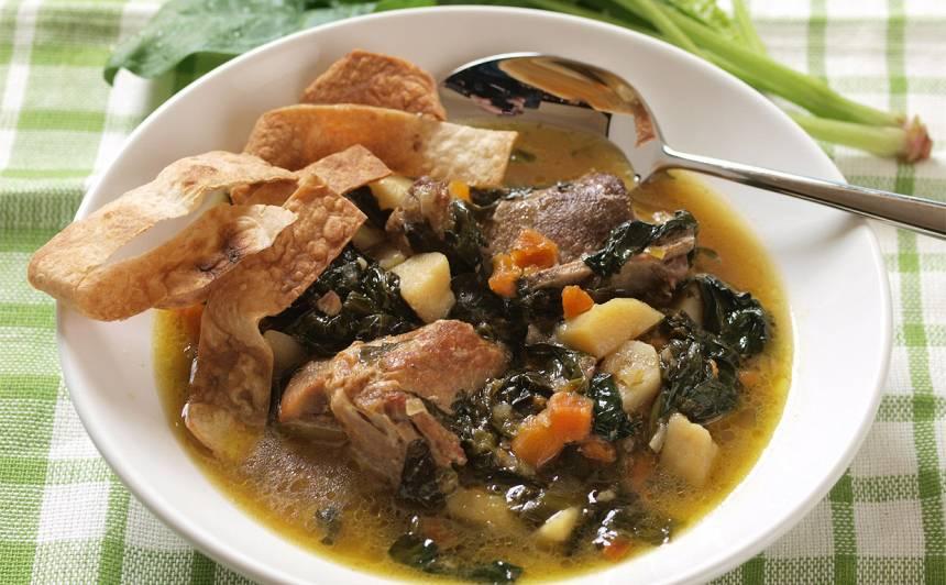Spinātu zupa ar cūkgaļu un lavašu recepte