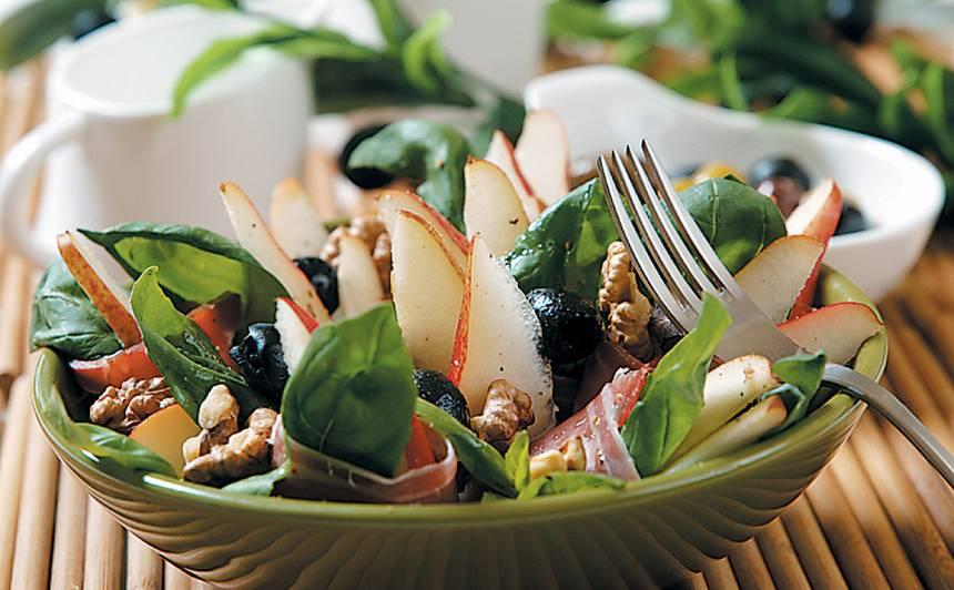 Bumbieru salāti ar olīvām un vītinātu šķiņķi recepte