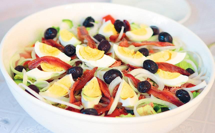 Nicas salāti ar anšoviem