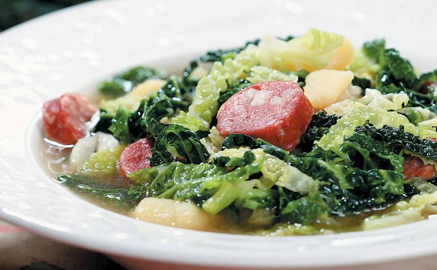 Zaļā zupa portugāļu gaumē recepte