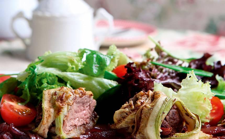 Salāti ar liellopa filejas un kabaču rullīšiem recepte
