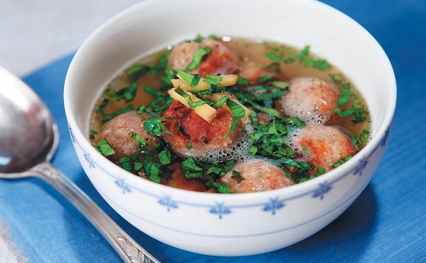 Zivju buljons ar frikadelēm recepte
