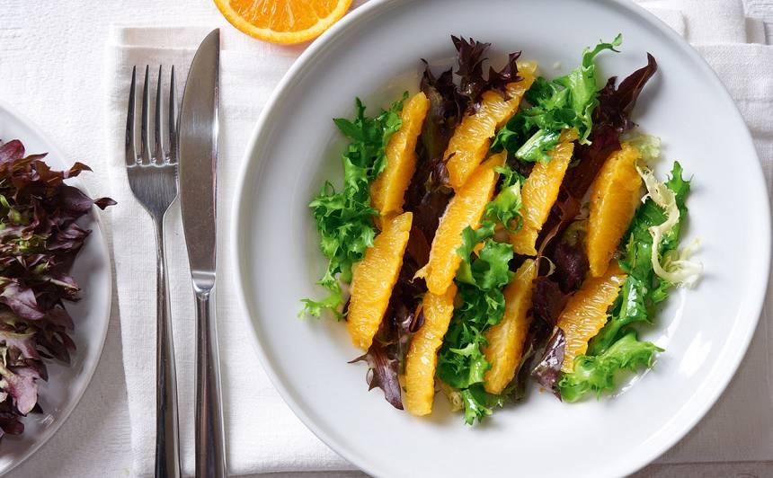 Lapu salāti ar apelsīniem