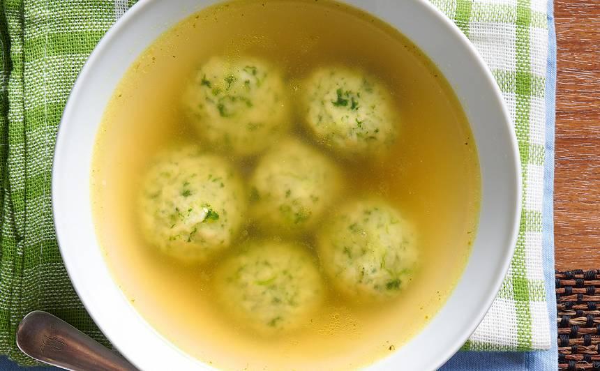 Spinātu klimpas vistas buljonam recepte