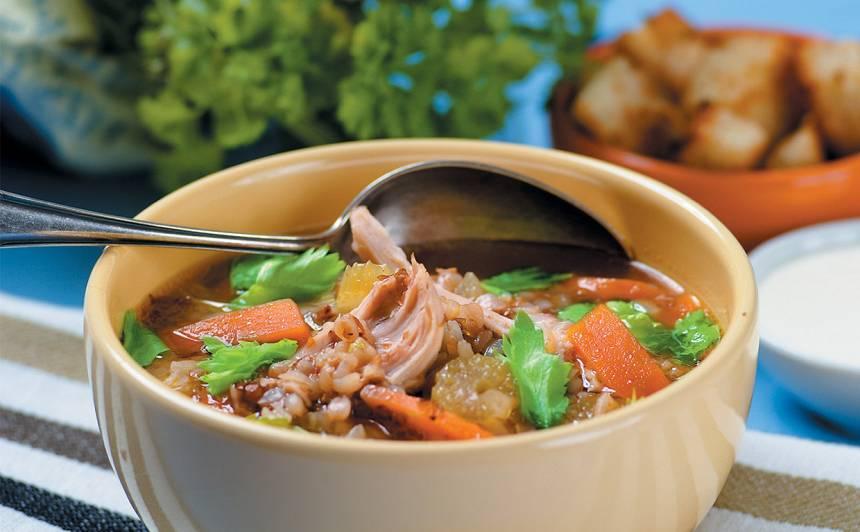 Griķu zupa ar vistu un dārzeņiem recepte