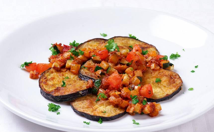 Baklažāna šķēles ar dārzeņiem recepte