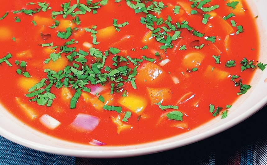 Krāsainā tomātu zupa recepte