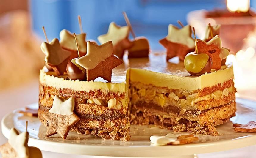 Bagātīgā svētku kūka