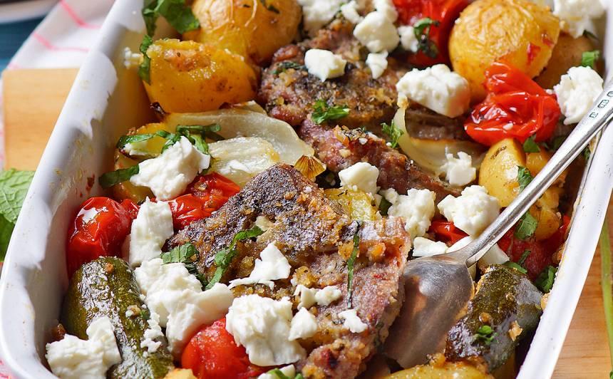 Jēra gaļa ar dārzeņiem un piparmētrām