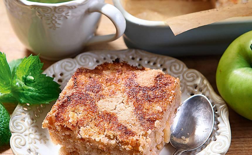 Rīvētu ābolu un mannas kūka recepte