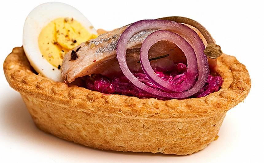 Siļķes salāti ar kaperiem groziņā recepte