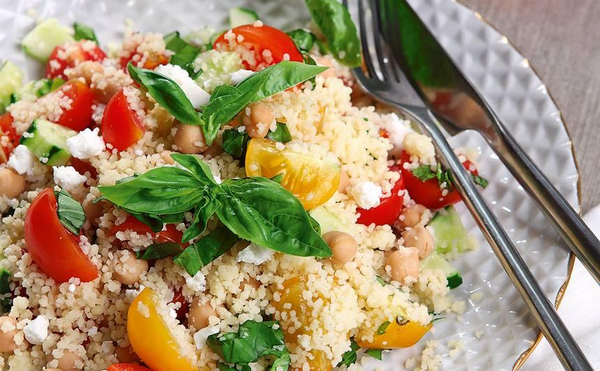 Kuskusa salāti ar ķirštomātiņiem recepte