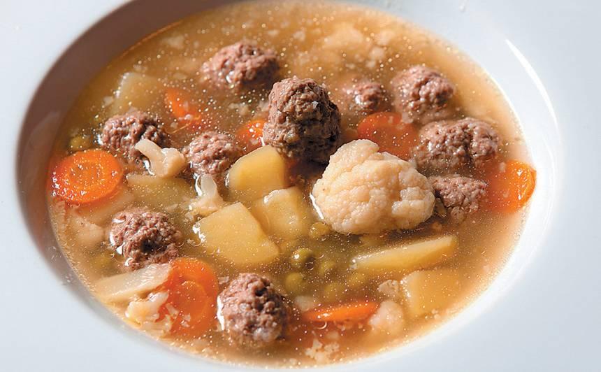 Ziedkāposta, frikadeļu zupa recepte