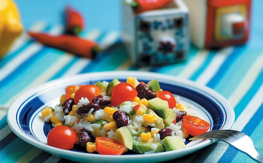 Svaigie rīsu salāti ar asumiņu
