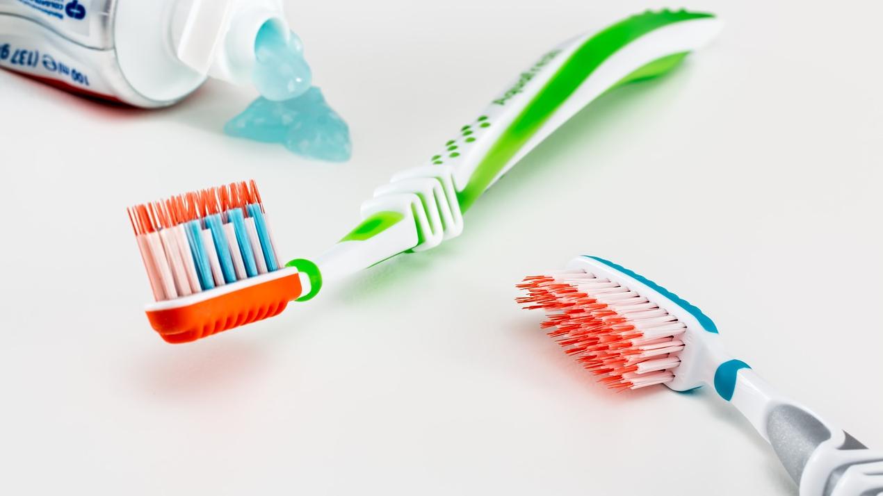 Mammu un tētu biežākie jautājumi par <strong>bērnu zobu veselību</strong>