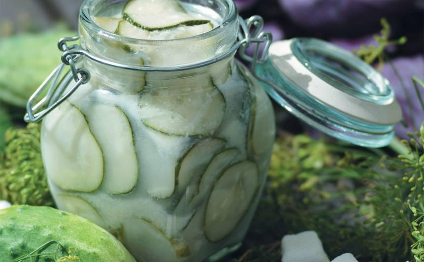 Pikantie gurķu salāti recepte