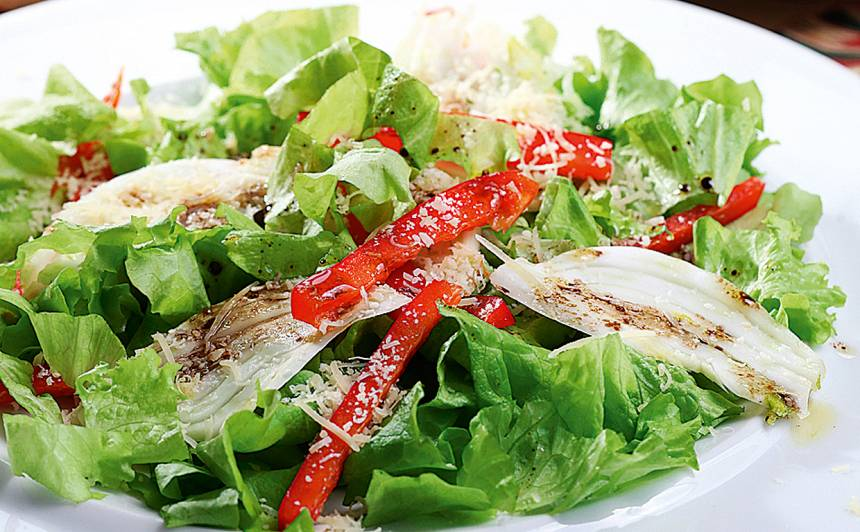 Fenheļa salāti ar sarkano papriku recepte