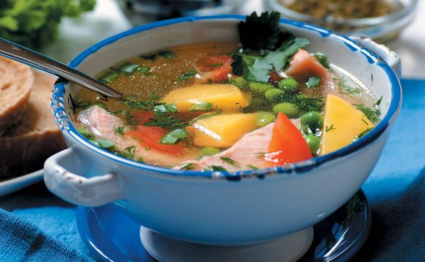 Laša zupa ar zirnīšiem recepte