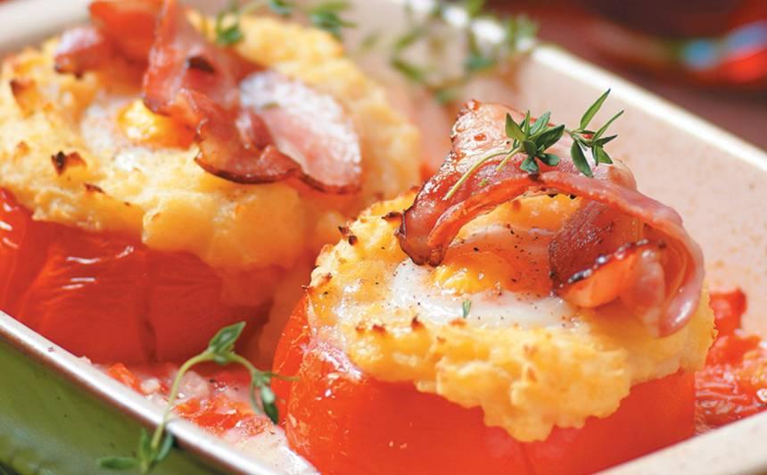 Ar kartupeļu biezeni un olu pildīti tomāti recepte