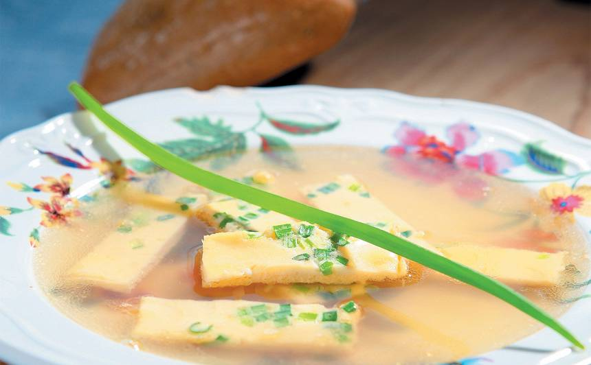 Vistas buljons ar omleti