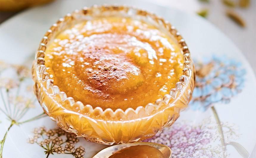 Karamelizētais bumbieru džems ar kardamonu recepte