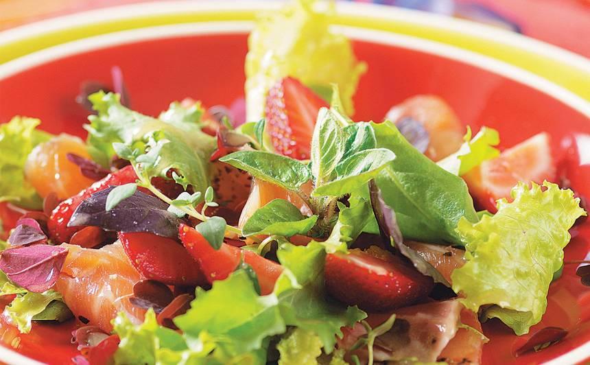 Laša salāti ar zemenēm recepte