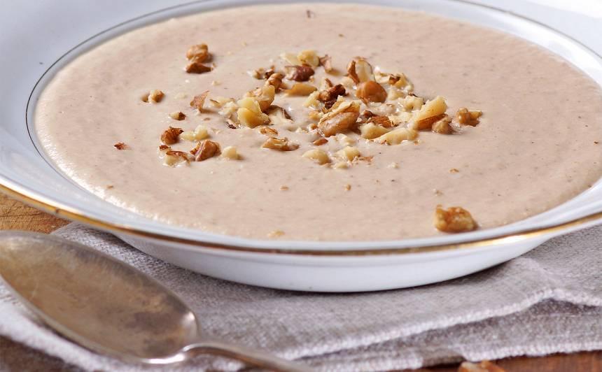 Selerijas un valriekstu zupa