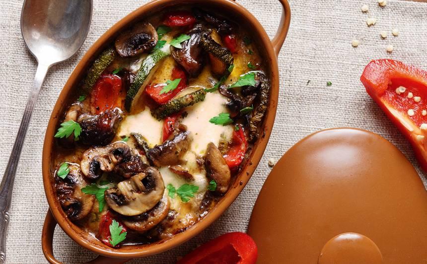Sacepums ar pīļu guzām, sēnēm un dārzeņiem recepte