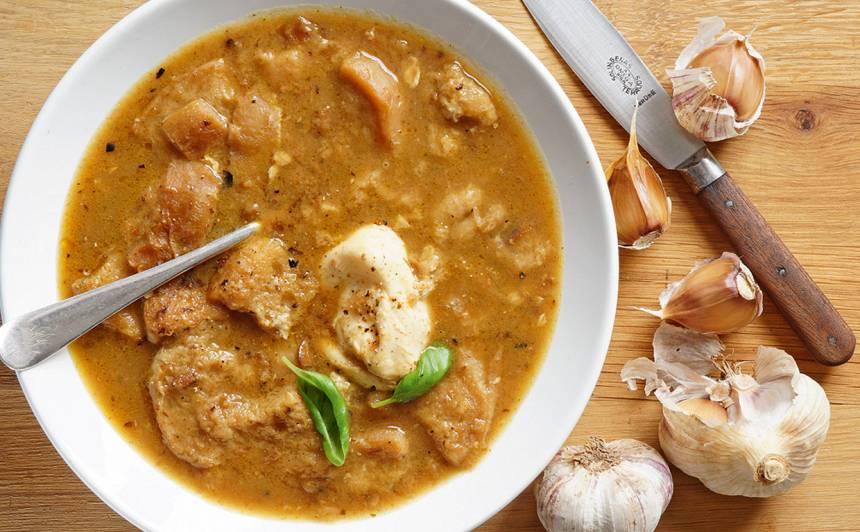 Sopa de ajo: spāņu ķiploku zupa recepte
